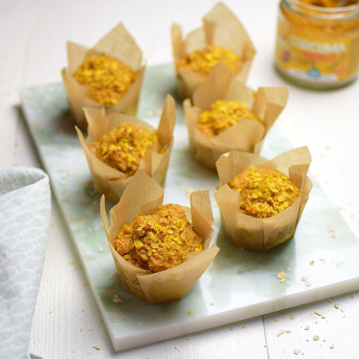 Magdalenas veganas de zanahoria y cúrcuma. Sin azúcar, mantequilla ni huevos