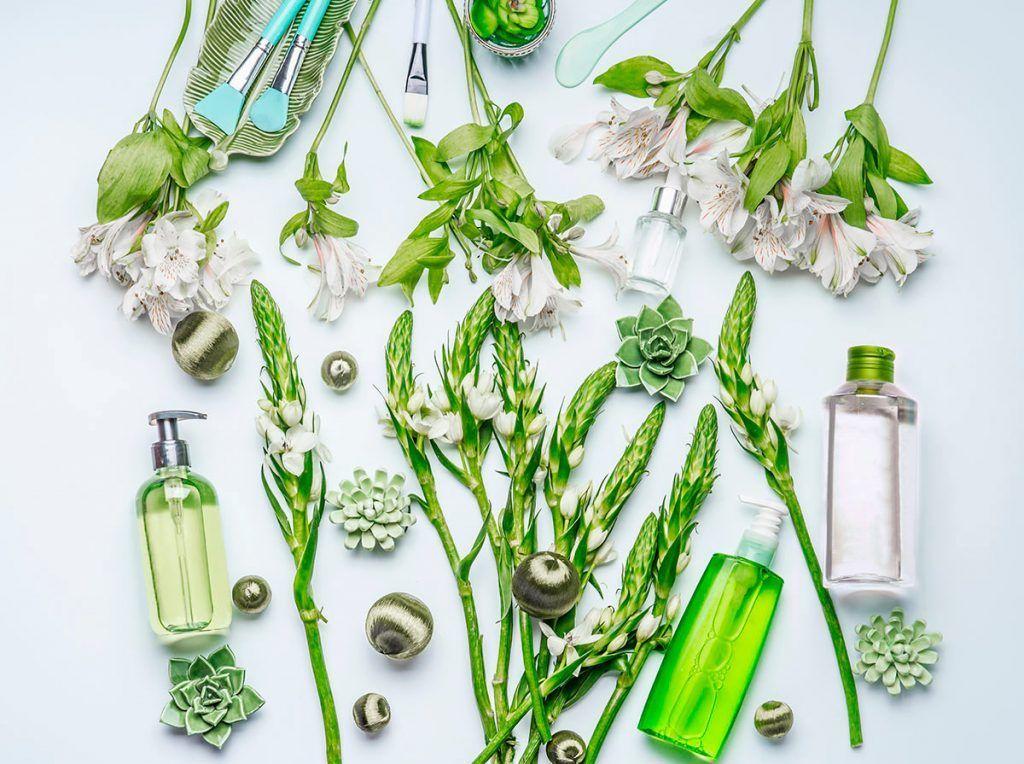 Cada perfume lleva decenas de componentes y algunos de ellos son de origen animal. Os explicamos cómo encontrar perfumes veganos.