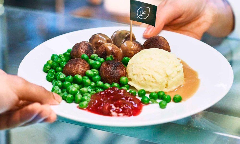 IKEA se compromete a que el 50% de sus comidas de restaurante sean veganas en 2025