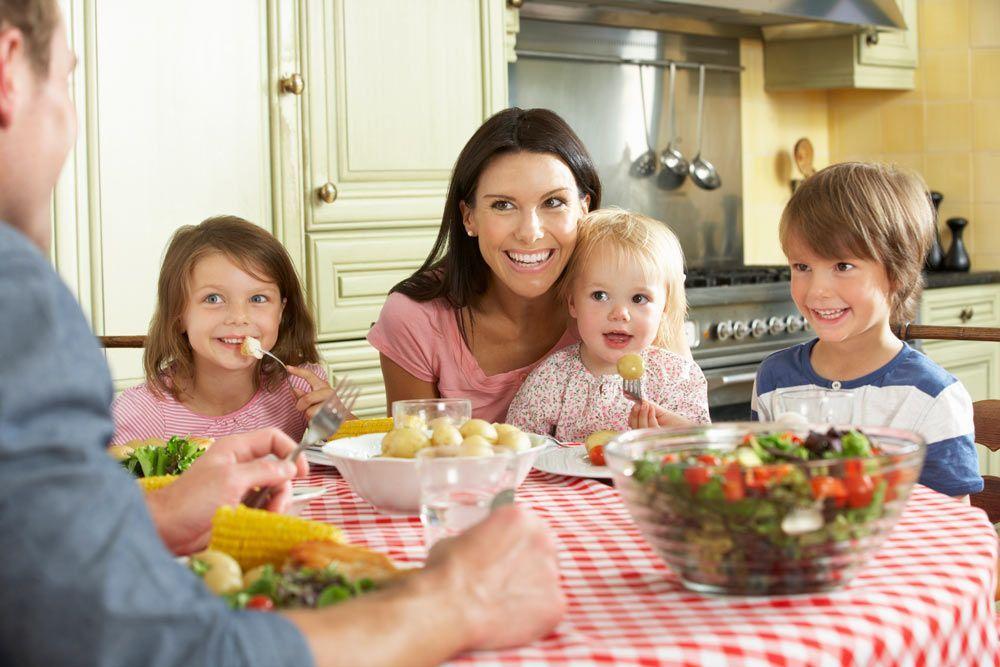 Consejos para empezar bien en la mesa con la alimentación sólida